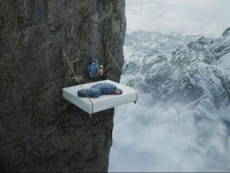 extreme_hanging_tents_640_01