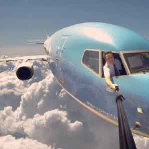 pilot-plane-selfie-flying-sky-13952428950